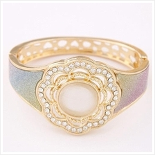 Fashionable Opals Bangle - Flower