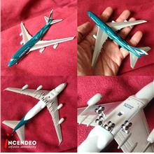 **incendeo** - Cathay Pacific Boeing 747-400 Asia's world city model