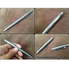 **incendeo** - Vintage ZEBRA Steel Ball Pen