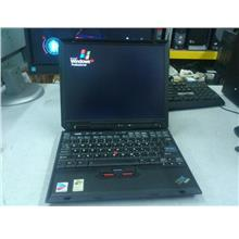 IBM ThinkPad X31 Intel Centrino Notebook 291012